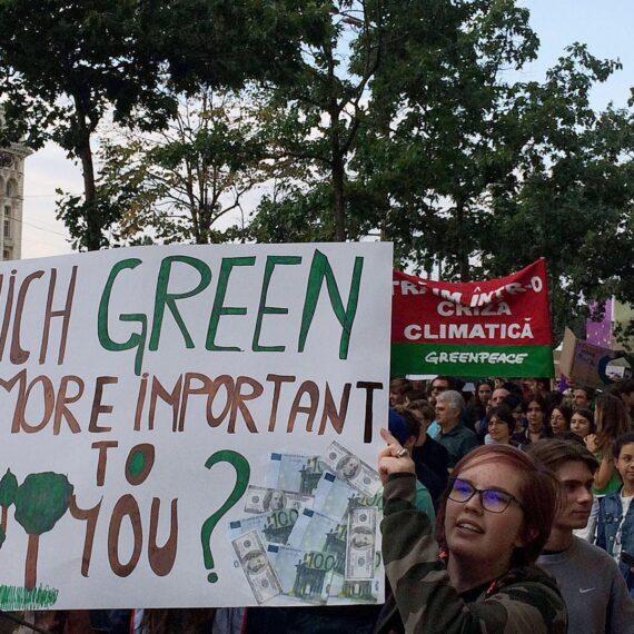 Proteste pentru acțiune climatică au loc în București și alte 11 orașe (vineri, 29 noiembrie)