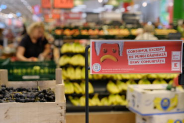 Kaufland: Consumul excesiv de pungi dăunează grav comunităţii