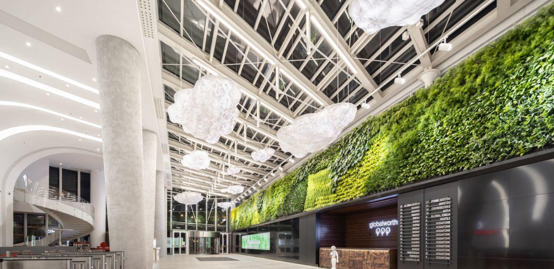 Lobby-ul inteligent din București cu cel mai mare perete verde natural într-o clădire de birouri din sudul şi estul Europei