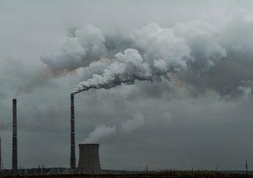 Studiu: Poluarea aerului provoacă 8,8 milioane de decese premature în fiecare an