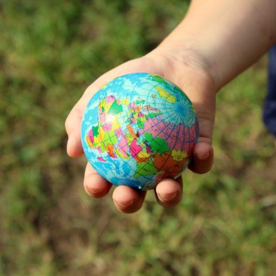 Cel mai mare sondaj de opinie despre schimbările climatice: tinerii vor acțiuni urgente