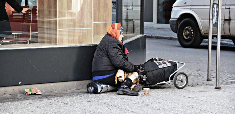 Efectele pandemiei: Banca Mondială avertizează că 60 de milioane de oameni vor fi în sărăcie extremă