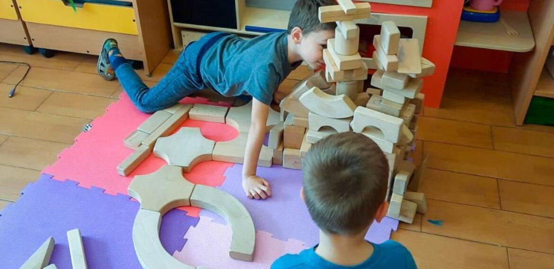 Parlamentul României a adoptat creditul fiscal pentru educație timpurie și un pachet de stimulente pentru companiile care investesc în educație