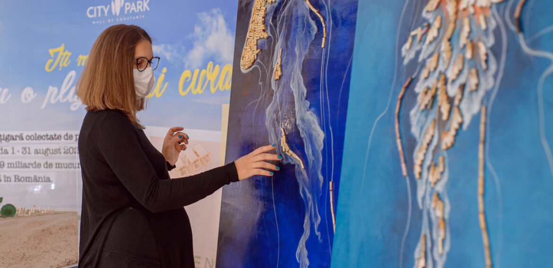 Opere de artă-statement, din chiștocuri colectate de pe litoralul Mării Negre