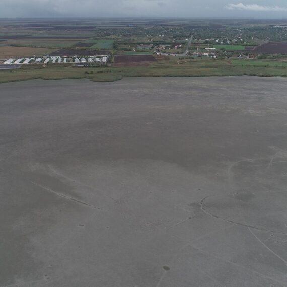 Dezastru ecologic: Lacul Iezer Călărași a secat complet