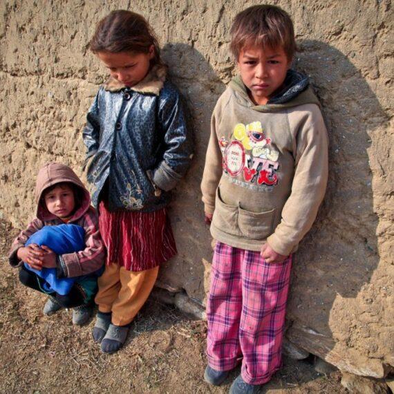 World Vision România: Școlile din mediul rural, acolo unde nu există focare de COVID-19, trebuie să rămână deschise