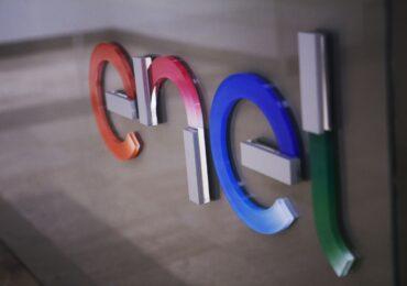 Enel s-a angajat să reducă cu 80% emisiile sale directe de gaze cu efect de seră până în 2030, faţă de anul 2017, și vrea eliminarea cărbunelui până în 2030