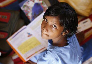 Studiu: Unu din 10 copii se duce la culcare flămând, unu din 5 copii nu este fericit. Igienă încă precară şi acces redus la sistemul sanitar