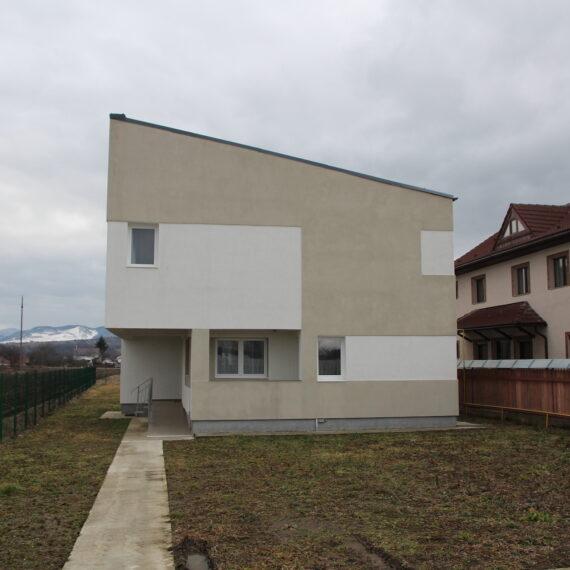 A doua casă de tip familial ridicată de Hope and Homes for Children și Kaufland România în Neamț este gata