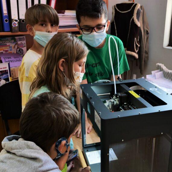 Biblioteci publice, transformate în centre de inovație prin imprimantele 3D