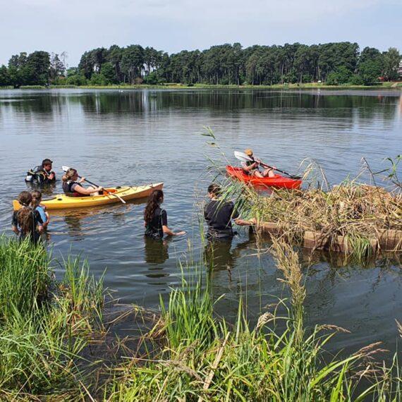 Insule plutitoare pentru protejarea biodiversităţii, amplasate de Departamentul pentru Dezvoltare Durabilă, în parteneriat cu Asociaţia Centrul de Scufundări Subacvatice